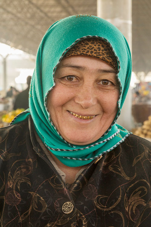 Central Asian Women In 43